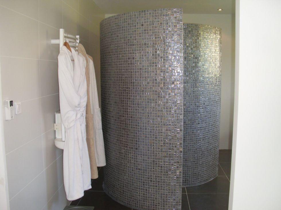cr ation d 39 une douche l 39 italienne design et en escargot sur carry le rouet plomberie navarro. Black Bedroom Furniture Sets. Home Design Ideas