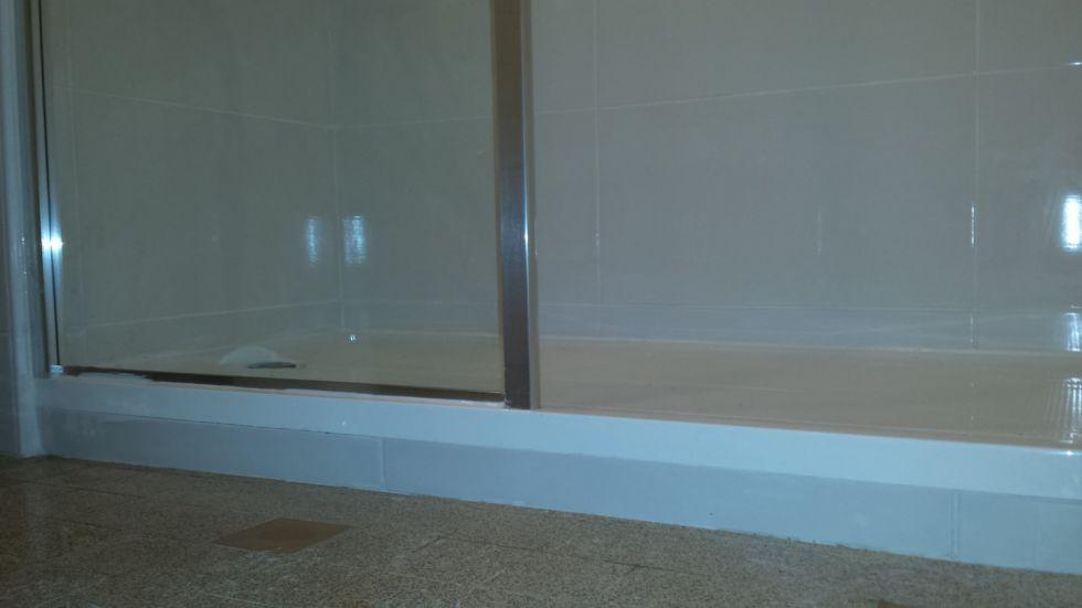 Cr ation d 39 une salle de bain handibat marseille for Decorer une salle de bain marseille