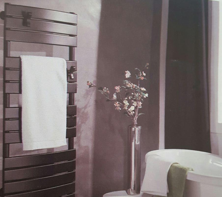 installation sèche-serviette dans votre salle de bain sur ... - Seche Serviette Design Salle De Bain